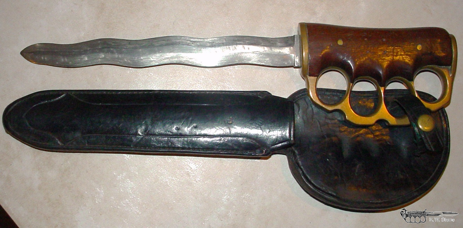 W. H. Messenger Knuckle Knife