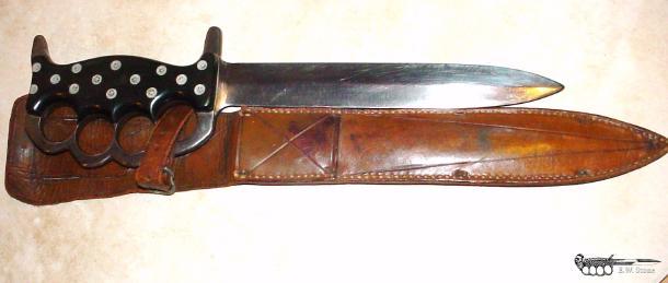 Knives | E W  Stone Knife